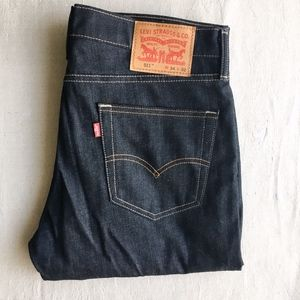 Levis // Men's 511 Jeans in Dark Wash